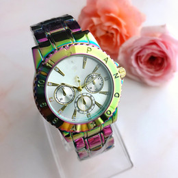 colorful diamonds watches Australia - Men's and women's colorful fashion style quartz wristwatch leisure style colorful case Diamond Dial fashion watch