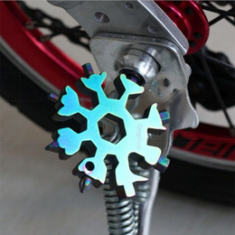 18 in 1 Snowflake Keyring Wrench Multifunction EDC Tool Portable Stainless Steel Keychain Bottle Openers Screwdriver YYA540 on Sale