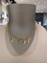 Toptan satış Moda Mektubu Altın Zincir Kolye Bilezik Erkek Ve Kadınlar için Parti Severler Hediye Takı Kutusu Ile