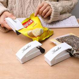 Wholesale Bag Heat Sealer Mini Heat Sealing Machine Packing Plastic Bag Impulse Sealer Seal Portable Travel Hand Pressure Food Saver FWB2811