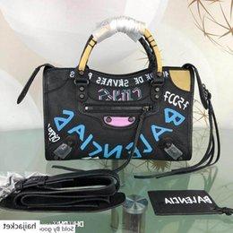 good Best Quality 19ssbalenci New Small City Shoulder Bag In Black Graffiti Size: 28.18.10cm