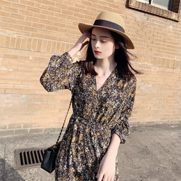 Wholesale winter underpants for sale - Group buy q21t9 autumn and winter dress new floral slimming Dress underpants underpants waist temperament long sleeve base skirt mid length skir V