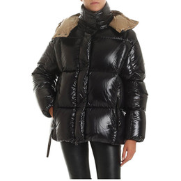 frau mantel winter großhandel-20FW Frauen Winter Jacken Mantel Fashion Outdoor Frauen Parka Daunenjacke Classic Black Pelz Mantel beiläufige warme Oberbekleidung mit Kapuze