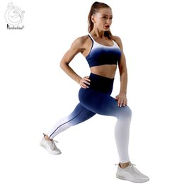 ombre yoga set UK - Ombre Seamless Yoga Set Sports Bra Fitness Vest And High Waisted Yoga Leggings Gym Squat Pants Women's Suit Seamless Sportswear 201105