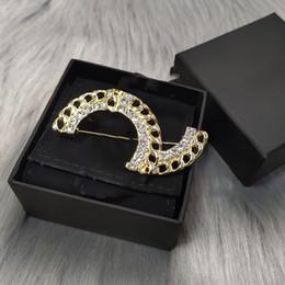 Wholesale Women's Designer Brooch Classic Letter Logo c Shape Diamond High quality Brooches Luxury Jewelry Wholesale L-C7