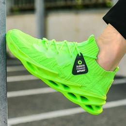 Forme a zapatos corrientes respirables 46 ligera de los hombres de las zapatillas de deporte de moda 45 ocasional cómodo de gran tamaño de zapatillas de correr deportes de los hombres en venta