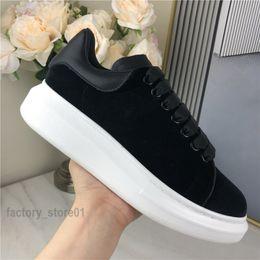 Men Women Platform Casual Shoe Shoe Fashion Women Shoes Men's Leather Lace Up Chaussures Oversized Sole Sneakers White Black on Sale
