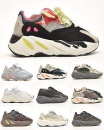 Venta al por mayor de Vanta Infantil Kanye Kide Running Shoes Utilidad Negro Analógico Inetia Estado Magnet Sneaker Wave Runner Estilo de Vida Niños Entrenadores Chunky