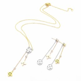 Europe America Fashion Style Jewelry Sets Lady Women Hollow Out Three Flower With Diamond Initials Necklace Earrings Sets (1Sets) on Sale