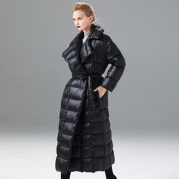 Winter-Knöchel-Länge Super-Längerer in über Fluffy Down Jacket Female Fashion Black war dünn Dickere Warm Duck Down Coat F559