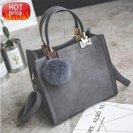 designers travel bag Canada - Female Shoulder Handbags Designer Women Luxury Hairball Fashion 2021 For Crossbody Bags Bag Travel Ladiess New #QU0x Rllaa