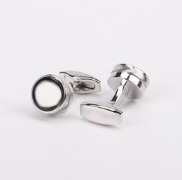 High Quality Jewelry Designer Cuff Links Plum Blossom Logo Shirt Cufflinks with box on Sale