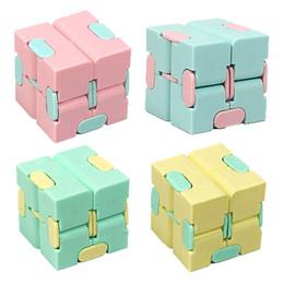 Infinity Puzzle Cube Mini Toy Toy Finger EDC Беспокойство Стремление Рельеф Стрельба Блоки Блоки Детские Дети Смешные Игрушки Подарочные игрушки для детей на Распродаже