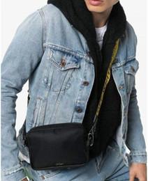 Ingrosso Brand New 2020 Brand Mini Men Off Yellow Canvas Belt Banchina Bianco Borsa a tracolla PU Sacchetto del torace Borsa a tracolla da satchetti multiuso Messenger