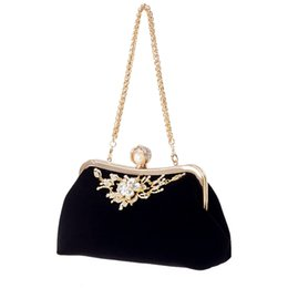 bride handbags NZ - Designer-Female Diamond Pearl Handbag Vintage Crystal Flower Evening Bag Wedding Party Bride Clutch Bag Purse