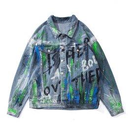 Wholesale denim coats for women resale online – Letter Painted Oversize Jeans for Men and Women Lapel Retro Loose Casual Denim Jacekt Windbreaker Streetwear Jean Coat