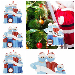 Discount creative face mask Christmas Quarantine Snowman Personalized Ornaments Survivor Family of 3 4 5 With Face Masks Hand Sanitized Decorating Creative Toys w-00300