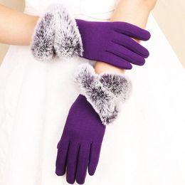 Мода Женские перчатки Касание экрана для катания на улице зима теплая Lady Перчатки Мягкая Поддельный Меховая подкладка Рукавицы кашемира на Распродаже