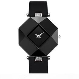 Hot Sale luxury women watch New Fashion Women Dress Watches Ceramic case Leather Strap Relogio Feminino Lady Quartz Wristwatch BRW