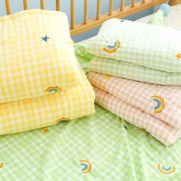 Discount kids animal quilt covers Kids Quilt Blanket For Pram Baby Carriage Stroller Covers Soft Breathable Blanket Throw on Bed Sofa for Girls Boys Rainb