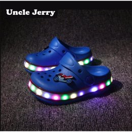 led cone lights UK - UncleJerry Kids Led Sandals Light up Children Summer shoes Glowing Slippers for Boys and Girls Flashing beach shoes for Toddler Y200404