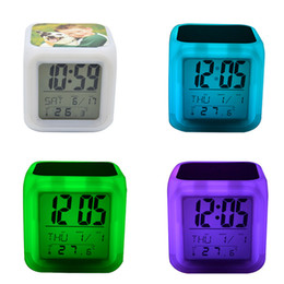 Toptan satış Boş Süblimasyon Çalar Saat LED Kare Yatak Odası Glow Elektronik LED Masa Saatleri Kare Yatak Odası Renkli Isı Transferi Saat GGA3843