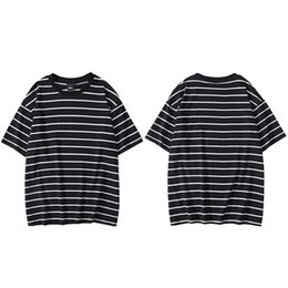 camiseta listrada branca preta venda por atacado-Striped T shirt Hip Hop Mens Streetwear Cotton T shirt de manga curta Casual Tops Tees Preto Branco Cinza
