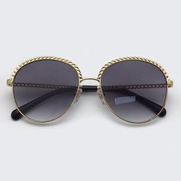 sunglasses golden chain Australia - 2019 Round Sunglasses Women Fashion Brand Designer Metal Framel Shades Female with Chain Sun Glasses Outdoor Uv400 Oculos De Sol
