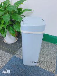 Blaue Farbe Familie benutzen Smart Mülleimer Mintpass Müll Square Isolat Smelly Sealed Mülleimer Multifunktionale einfache Art Convenience Dustbin im Angebot