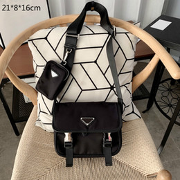 Wholesale 2021 Designers Mens Crossbody Bags Luxury Men Briefcases Brand Nylon Messenger Envelope Bag Fashion Purses Single Shoulder with Triangle PD20122903