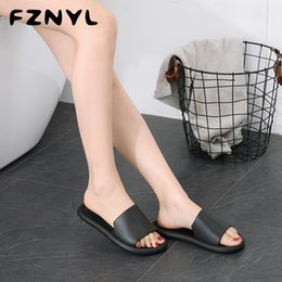 bedroom flip flop slippers NZ - FZNYL Home Slippers Women Men Flat Indoor Sandals Soft Comfortable Bath House Slipper Ladies Bedroom Shoes Big Size Flip Flop Y200706