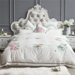 embroidered flower pillow cover UK - 42 4 7pcs Egypt Cotton white India style Bedding set Queen King Size Embroidery flowers Bed set Duvet cover Bed linen Pillow