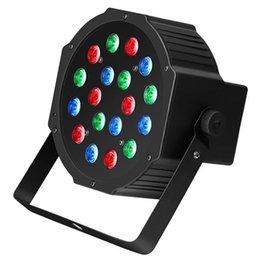 Опт Лучшие 30 Вт 18-RGB LED Auto / голосовой контроль Premium Материал Мини-этап лампы (AC 110-240V) Black * 4 Свадебная вечеринка Движущиеся головки