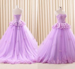 Discount vestidos color burgundy 2021 Lilac Lace Quinceanera Dress Sweet 16 Girls Peplum Waist Ball Gown Strapless Corset Back Sweety Prom Vestidos De Festia Plus Size