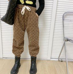 Fashion Nouveaux enfants Pantalons Ventrée Children Lettre imprimée Pantalon décontracté Garçons Girls Denigner Boot pantalon A4825 en Solde
