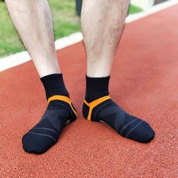 Wholesale merino wool socks for sale – custom 2020 Men s Compression Socks Men Merino Wool Black Ankle Cotton Socks Herren Socken Basketball Sports Compression Sock For Man sqcpSi
