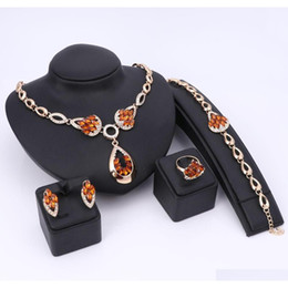 jewelry dubai Canada - Fashion African Beads Jewelry Sets For Wome Nigerian Design Necklace Wedding Dubai Gold Plated Crystal Jewelry Accessories 38D1Q