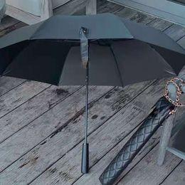 Neuer klassischer schwarzer langer Regenschirm, der für Frauen sommer falten Mode Regenschirm Regenschirm-VIP-Geschenk mit PU-Fall-Geschenkverpackung im Angebot