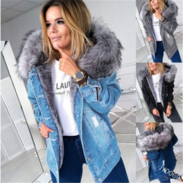 Ladies Fur Collar Denim Jacket Fashion Korean Version Button Thicken Hooded Coats Designer Female Winter New Casual Fleece Slim Outerwear