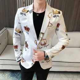 men s wedding suits venda por atacado-Fantasia Diamante Crown Impresso Blazer Men Wedding Partido Stage Suit Jacket Blazer Men Slim Fit Casual chique Jaqueta