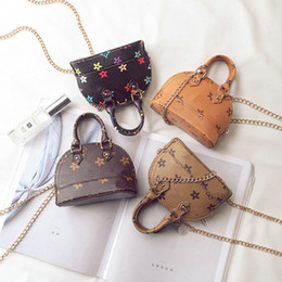 Wholesale Cute Kids Glitter Purses Little Teenage Girls Gifts Korean Print Designer Mini Handbag Children PU Leather Shell One Shoulder Bag