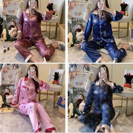 Wholesale Women Luxury Silk Sleepwear INS Fashion Printed Lady Pajamas Sets Party & Banquet Personality Female Two Pieces Nightclothes 01