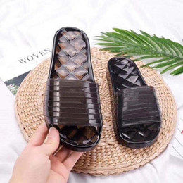Wholesale 2021 sell well Fashion men Women Transparent slippers Sandals slides Summer Flats Sexy sandals Flats Shoes Ladies Beach shoes By shoe02 01