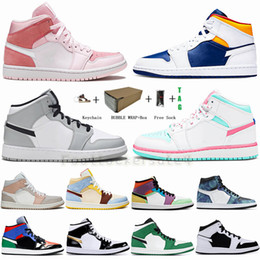 bonbons männer großhandel-Männer Jumpman Low s OG Basketball Schuhe UNC Chicago Top Travis Scotts Gold Royal Toe Kiefer grüne Frauen Stylist Schuhe Sneakers