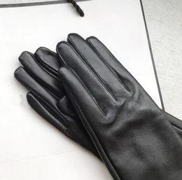 Moda- Guanti da donna Guanti da donna in vera pelle inverno caldo fluff donna morbida pelliccia femminile fodera guanti di alta qualità in Offerta