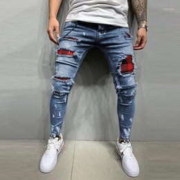 ingrosso pantaloni da jogging maschili-New Men s Trapunted Jeans ricamato Jeans Skinny Jeans Strappato Grid Stretch Denim Pants Man Patchwork Jogging Denim Pantaloni S XL1