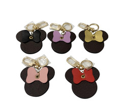 Wholesale 2021 key chain with box lover gift handmade leather men women bag pendant accessories 5 colors free delivery