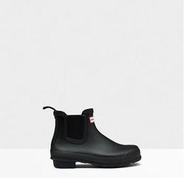 Toptan satış Kauçuk Rainboots Yağmur Çizmeleri Kadınlar Için İngiliz Klasik Su Geçirmez Rainboots Bayanlar Wellies Wellington Mat Boot Yağmur Çizmeleri Kadın Su Geçirmez