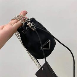 Frauen Schlüsselanhänger Kleine Tasche Lange Kette Schulter Messenger Bags Kordelzug Klassische Handtasche Eimer Taille Keychain im Angebot