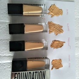 venda por atacado 2021 Marca Maquiagem 4Color Maquiagem Fundação Highlighter Concealer Fundação Líquida de Cobertura Médio Em Estoque